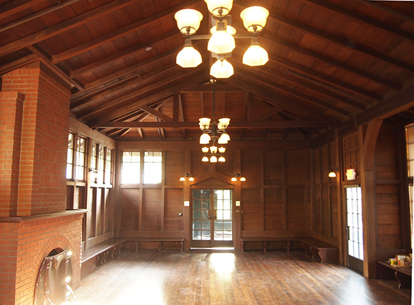 37_Main-Hall)